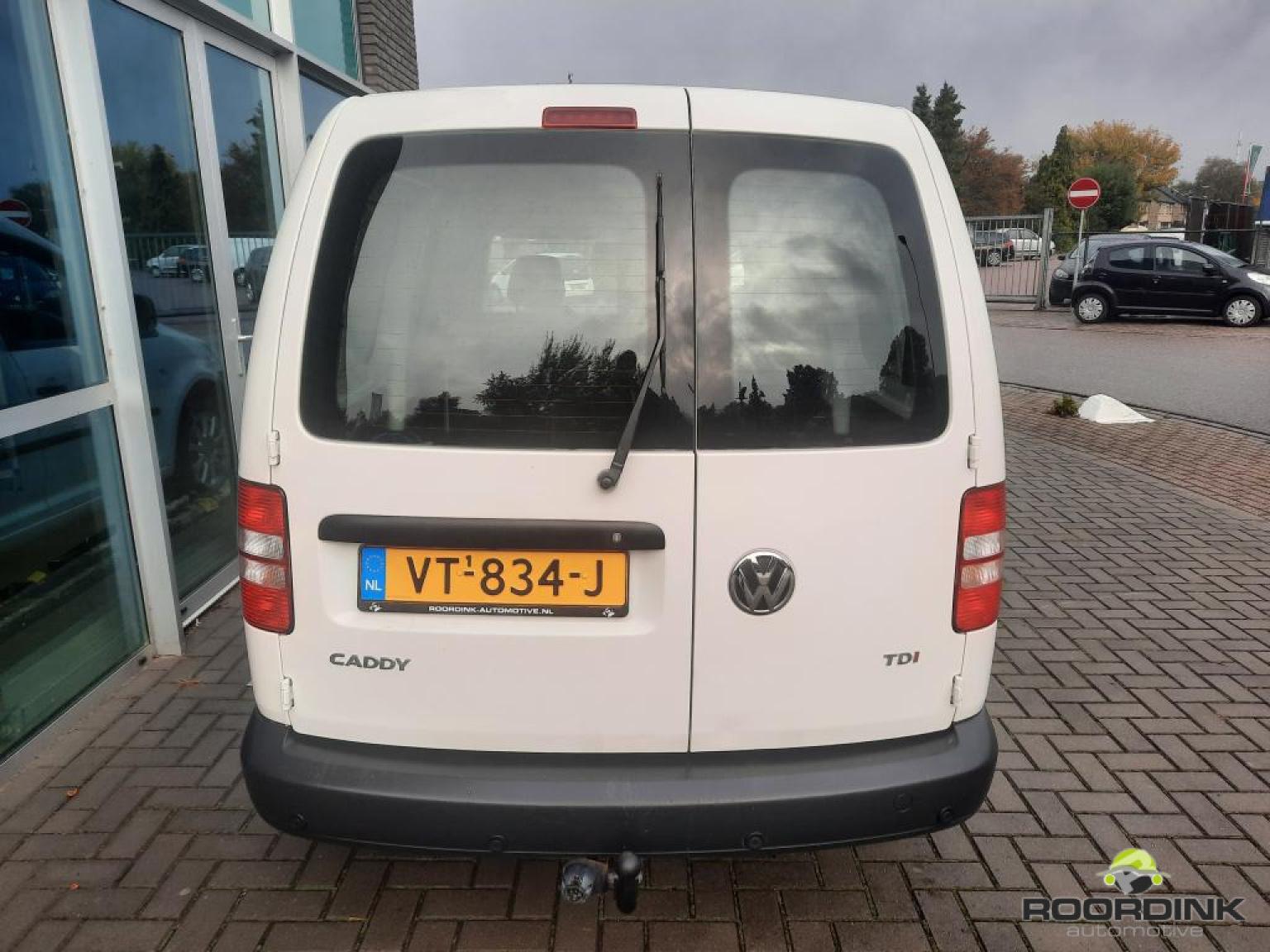 Volkswagen-Caddy Maxi-13