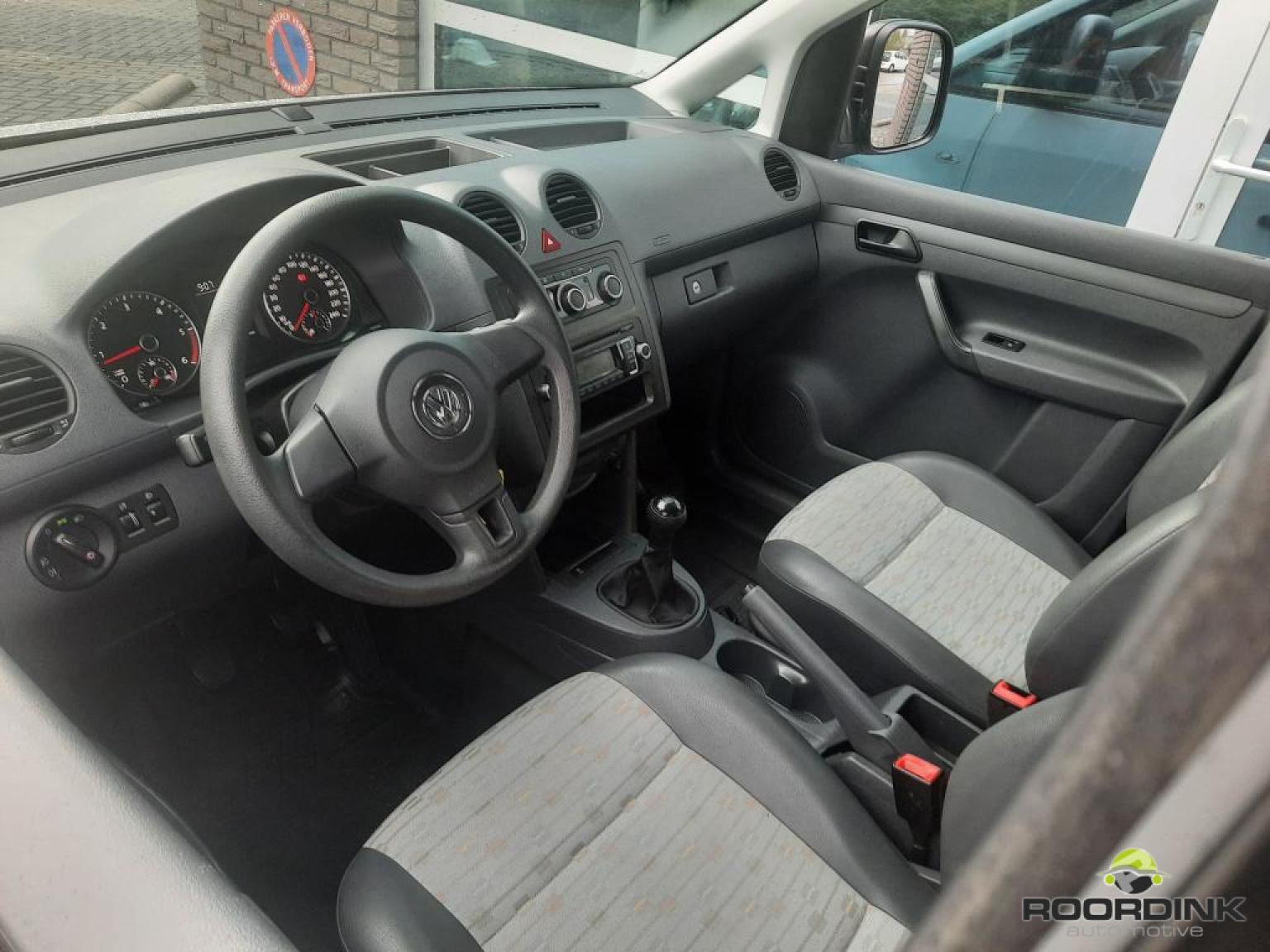 Volkswagen-Caddy Maxi-6