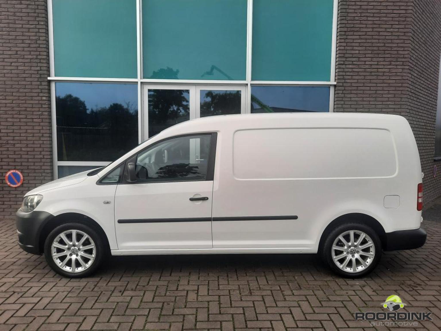 Volkswagen-Caddy Maxi-1
